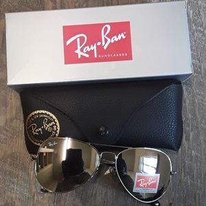 Brand New Silver RayBan Aviators 62mm Never Worn